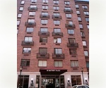 NYC Downtown ~ Battery Park City ~ Views of Statue of Liberty ~ Steps from TRIBECA ~ SPACIOUS 1 bedroom
